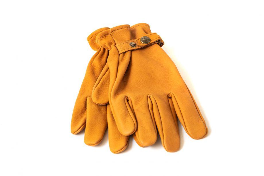 Gloves in deer skin